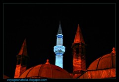 Minarets (voyageAnatolia.blogspot.com) Tags: voyage trip travel light red vacation chimney detail brick green art history museum architecture night contrast turkey dark religious shrine turquoise minaret islam religion trkiye tomb turkiye mosque medieval turquie trkei dome getty historical nights domes ramadan tp sufi sufism chimneys turquia turkish dervish minarets anatolia bayram 1001 rumi konya ramazan turqua tyrkiet turchia minare anatolian  seljuk minarette scheherazade tasavvuf moschee mevlana   jalaluddin turska  minarett iconium  celaleddin   voyageanatolia
