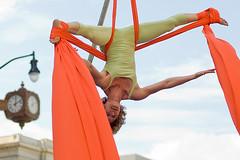 (pixelmasseuse) Tags: sheets fabrics silks aerialdance aerialists photofaceoffwinner pfogold thechallengefactory airdancedc artsonfoot2008
