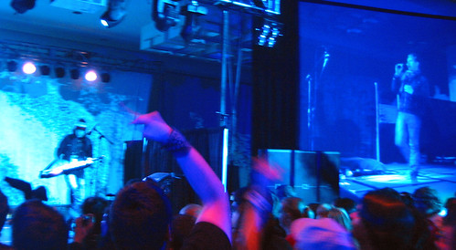 20081010 - Freezepop @ AnimeUSA - 169-6958 - playing, audience, right screen - please click through to leave a comment on FlickR
