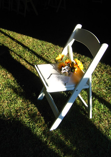Flower-Chair-Shadow-Glow