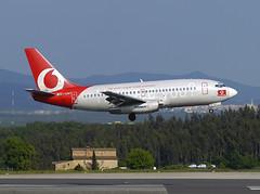 Ryanair (Vodafone) B737-230 EI-CNT GRO 15/05/2004 (jordi757) Tags: nikon airplanes girona landing vodafone boeing d100 ryanair costabrava 737 avions gro eicnt