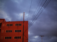 (Flavor Herrera) Tags: blue red sky building atardecer wire edificio cables cielo noon electrico tendido boleita