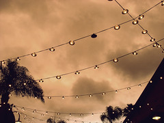 (Melisa Fernndez) Tags: sky house tree vintage lights one luces downtown different disney meli oneinamillion