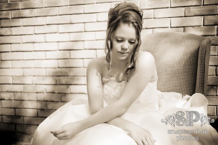 porsche's backyard bridal session spring, texas armchair