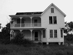 Eldred, Florida house from 1901 (mainmanwalkin) Tags: abandoned florida eldred stluciecounty indianriverroad oncewashome