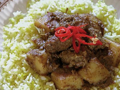 Beef & potato vindaloo with saffron rice