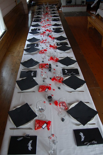 white wedding table settings. Black And White Wedding Table Settings. The wedding table is almost; The wedding table is almost. Che Castro. Apr 28, 08:09 PM