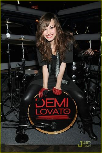 Demi on set of 'Get Back' por crazyrandomgal.