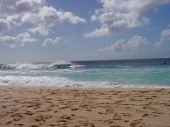 Pipeline Beach In Oahu (aeschylus18917) Tags: ocean park sea sky beach clouds landscape hawaii sand scenery surf waves oahu sony cybershot surfing pupukea ehukai banzaipipeline ehukaibeachpark  danielruyle aeschylus18917 danruyle druyle