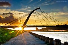 大直橋夕照, Sunset @ DaZhi Bridge, Taipei (Sherwin_andante) Tags: taipei 2008 大佳河濱公園 大直橋 supershot sigma1770 k10d superaplus aplusphoto 200809 2008mychoice 2008myfav