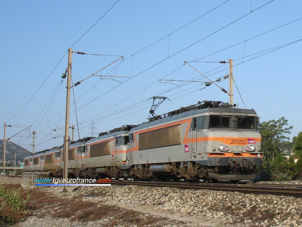 A train of six BB 22200 electric locomotives on the Marseille - Nice railway