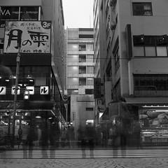 Kichijoji 丸井前 (F_blue) Tags: tokyo fuji hasselblad kichijoji 500cm 吉祥寺 neopan100acros planart c8028 fblue2008