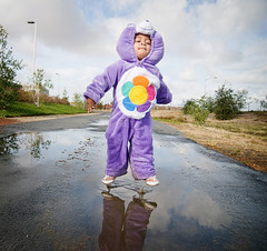 i think I can, i think I can... (diyosa) Tags: halloween puddle costume jump naturallight carebear f28 15000 17mm 06ev harmonybear