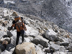 Kevin Mahoney on the approach to Kantega (Mountain Hardwear) Tags: climbing mountaineering alpinism freddiewilkinson kevinmahoney mugsstumpaward katenga