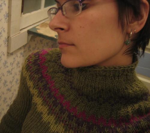 081112. pseudo-ski sweater.