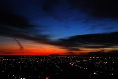 13 novembre (anjoudiscus) Tags: sky sunrise rising view montral ange explore ciel 2008 ville lumires aurore rougeetbleu vr18200 pdu d80 pqcanada 13novembre novembre2008 couleursduciel