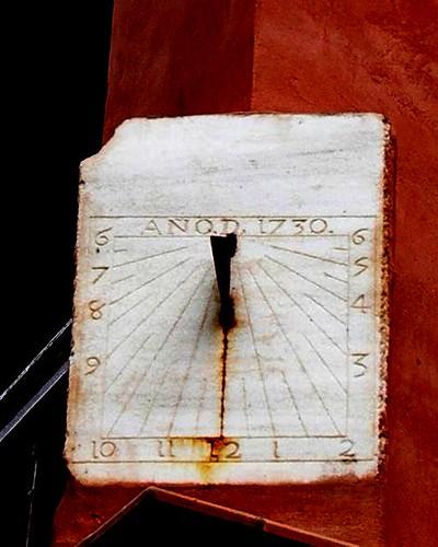 Sonnenuhr - Reloj de Sol (1730)