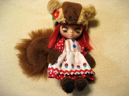 Petite Blythe (squiggly squirrel)