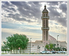 Mosque (SWAIDAN  to Syria  G.W.L.K_) Tags: city sky clouds canon gold star photo flickr cloudy good quality award mosque lovers kuwait q8 distinction eslam flickri platinumphoto kuwaitscienceclub swaidan colourvisions sevenler