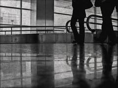 Passes silencioses // Silent Steps (~Oryctes~) Tags: blackandwhite bw reflection blancoynegro 2004 silhouette reflections turkey geotagged airport trkiye silhouettes gimp bn reflejo blogged silueta noise ubuntu aeroport aeropuerto siluetas istambul turquia juliol reflejos filmgrain blancinegre reflexe reflexes ruido digitalnoise canonixus430 abigfave soroll siluetes blackwhiteaward theunforgettablepictures theperfectphotographer ataturkinternationalairport geo:lat=40978043 geo:lon=28816817 artofimages gimp26 twtmeilts concurssocialtemalliure concurssocialnota65 ataturkhavalimaniairport