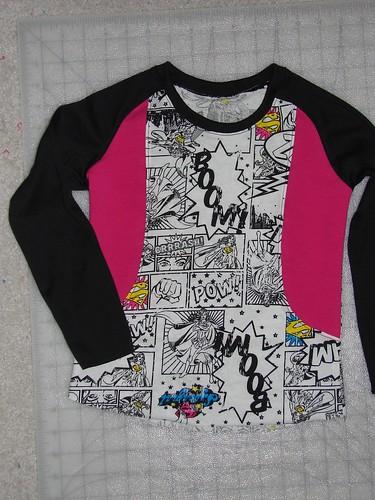 Supergirl raglan shirt - size 98