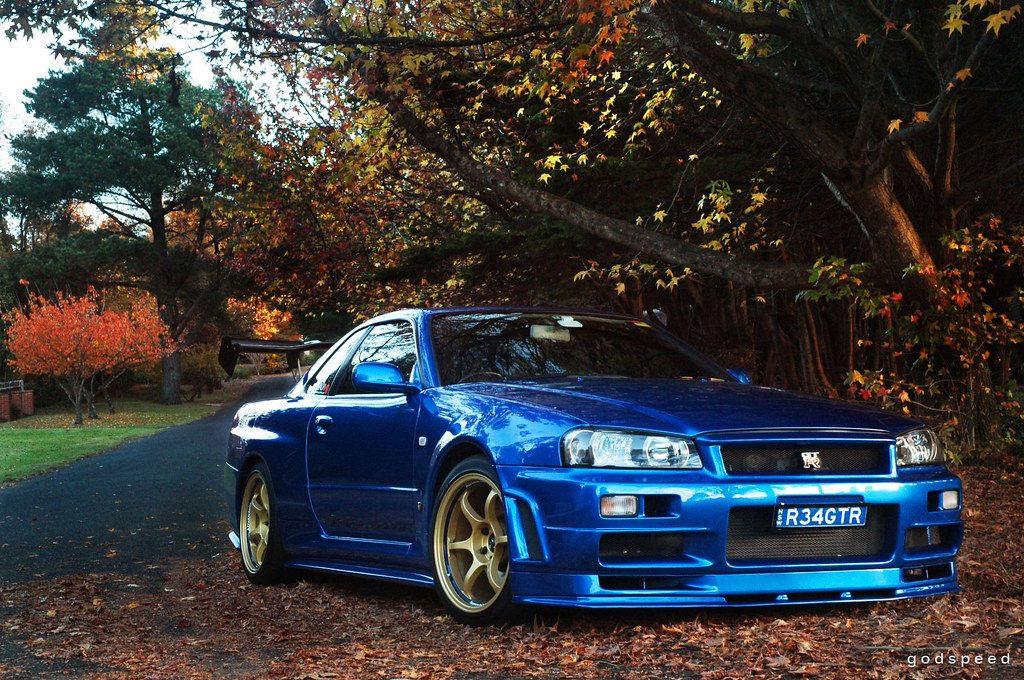 Nissan Skyline R34 GT-R V-spec II at Leura, Autumn in the Blue Mountains.