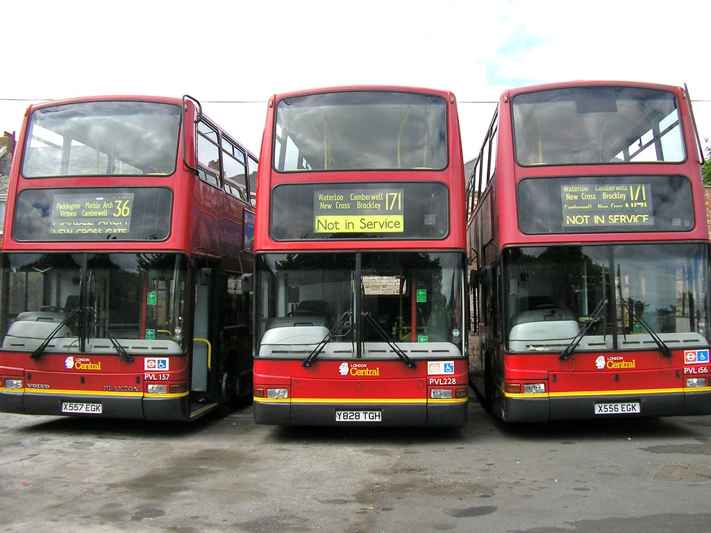 PCB 423-6 FORMER LONDON CENTRAL VOLVO PLAXTON PRESIDENTS IN AS ARRIVED CONDITION
