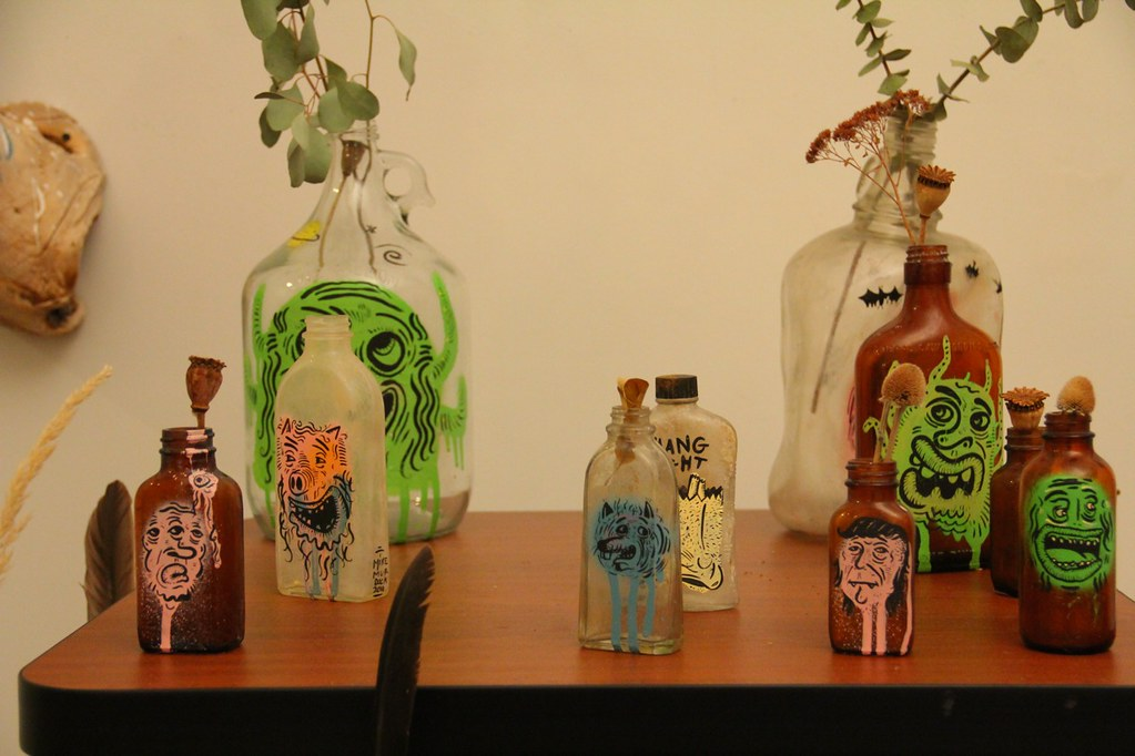 Bottle faces