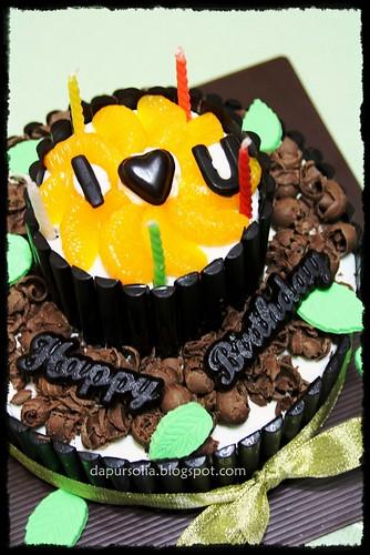 Happy birthday ya. Semoga selalu rukun dan romantis.