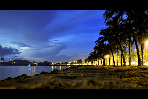 Teluk Likas Night800 pano narrower