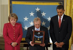 Obama-awards-Medal-of-Honor-to-Sgt-First-Class-Monti-at-White-House