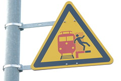 Do the dance (Axolot) Tags: red black sign yellow warning zug bahnhof db schild trainstation figure stick deutschebahn warnung