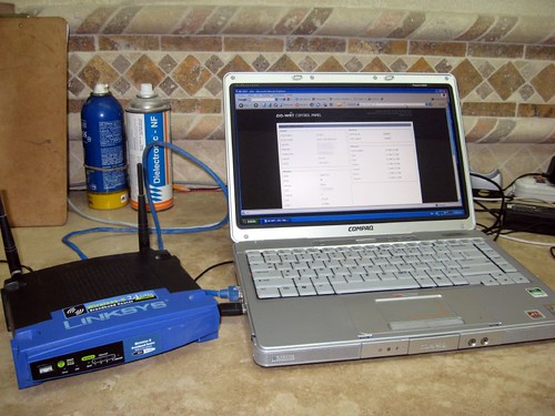 El wrt54g y la portatil.