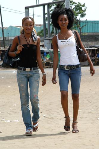 Carol & Solange (3738)