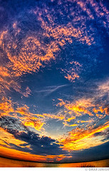 Oval Sunset (Omar Junior) Tags: blue sunset pordosol red sky orange color colors rio clouds contrast cores geotagged grande high do dynamic pentax d magic laranja portoalegre porto fotos junior nuvens imaging nik alegre omar mapping ist range poa rs ceu tone riograndedosul hdr sul pentaxistd hdri quente tonal mapped exposio lucisart rgs exposicao 17mm highdynamicrangeimaging cameradeourobrasil viveza geo:lat=30052435 geo:lon=51233663
