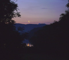 Moon rise. (wavey davie) Tags: uk moon reflection scotland argyll crescent loch rise feochan bencruachan bloodyearlyinthemorning pict5205copy