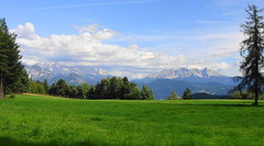 Visto dal Geyerhof 2: Montagne in Cinemascope - Seen from Geyerhof 2: Mountains in Cinemascope (Cristina 63) Tags: blue trees italy mountains verde green nature alberi landscapes europa europe italia nuvole blu natura paesaggi monti altoadige southtyrol gmt passionphotography anawesomeshot worldwidelandscapes top20vivid holidays2008 vacanze2008 absolutelystunningscapes kunstplatzlinternational galeriadeimagems