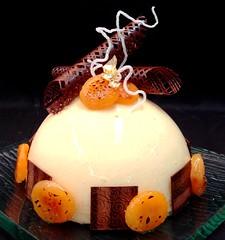 Apricot feuilletine (Peter Arthold) Tags: cake dessert gold apricot feuilletine caramelized moussebomb peterarthold
