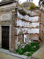 Cemeterio en Recoleta (<Enrique />) Tags: argentina buenosaires 2008 enriquegonzalez lpdamaged