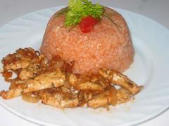 Гирос из курицы и рис с помидорами