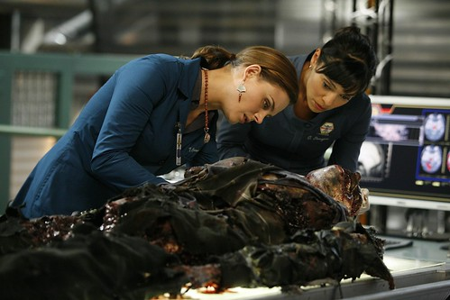 HiRes 4x09 - The Con Man in the Meth Lab by Bones Picture Archive.