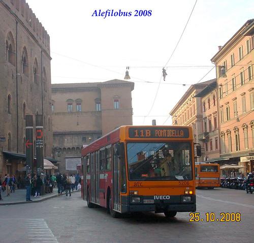 Bologna: Iveco n° 5206 - linea 11B