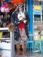 Pirata (Image chaser) Tags: méxico canon mexico mexicocity df ghost traditions esqueleto muertos mexique tradition costumbres fantasma ciudaddemexico mexiko distritofederal tradición muerto messico tradiciones ciudaddeméxico díademuertos flickrcolour canons5is