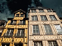 Non si costruisce pi come una volta! (Topyti) Tags: house france geotagged case rouen normandie francia viaggi normandia graticcio normady geo:lat=49439899 geo:lon=1098751 ruedemartainville