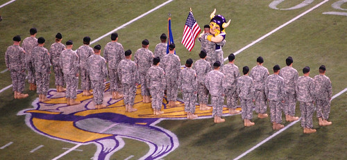 Honoring Vets Packers-Vikings 11/09/08