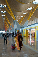 Barajas (bsii) Tags: madrid orange yellow airport october scarves mad 2008 iberia barajas barajast4 flickrchallengegroup madridbarajasinternationalairport