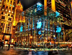 Apple Store in big apple (Tony Shi.) Tags: nyc newyorkcity shopping macintosh mac ipod centralpark computers itunes electronics software plazahotel hdr 5thave geniusbar iphone midtownmanhattan  gmbuilding   itouch  glasscube 767fifthave nikond700    thnhphnewyork  tonyshi 59thstapplestore