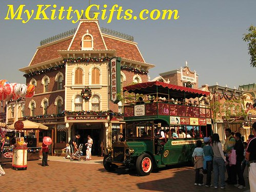 Hello Kitty's View of Tour Bus at Main Street, Hong Kong Disneyland
