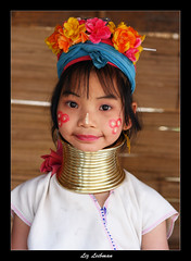 The long-neck girl, Thailand (LizTheRed) Tags: travel portrait people girl portraits neck thailand necklace asia southeastasia long village top20childportrait faces traditional hill tribal karen ring rings longneck tribes myanmar tribe ethnic brass 2008 mujeres coils bodymodification indigenous villagers hilltribes padang hilltribe longnecktribe karentribe padong longnecks padaung collo kayan longo longneckkaren mujeresjirafa burmeseborder paduang aplusphoto top20travel favekids