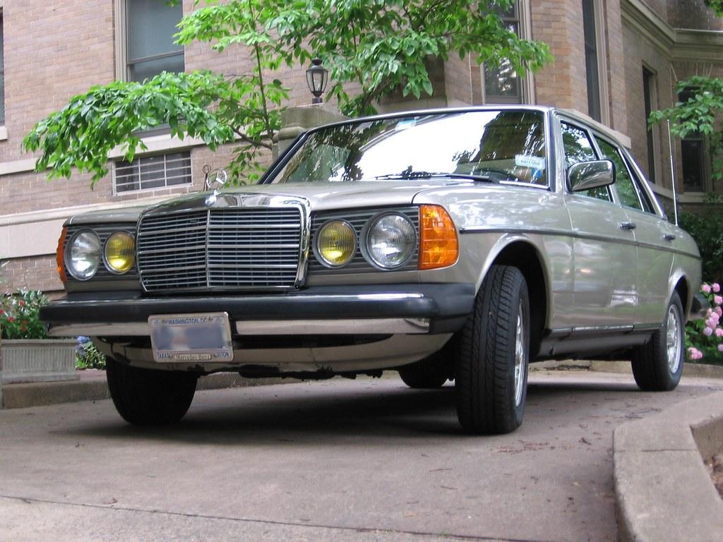 1985 300D Smoke Silver 013 (Jay Nix) Tags: Silver Mercedes Benz 300d  Metallic